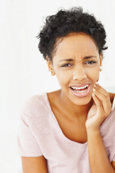 Why You Need to Manage TMJ Before Getting Dentures